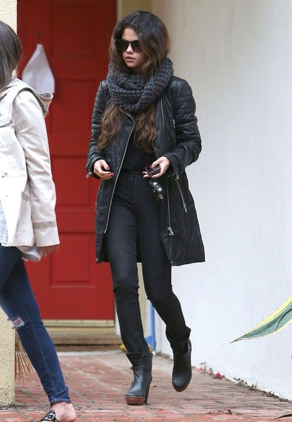jacket selena gomez shoes