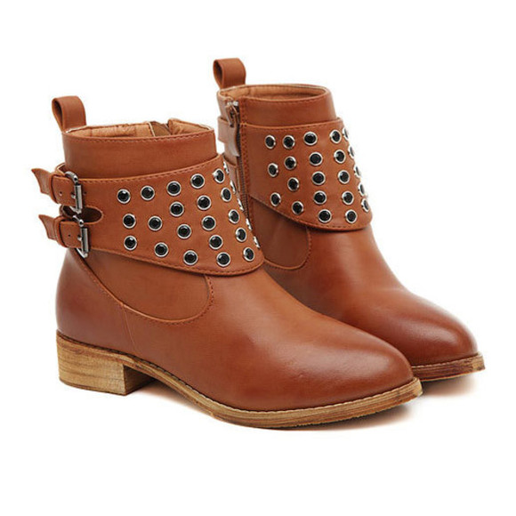 shoes boot pointed-toe rivet