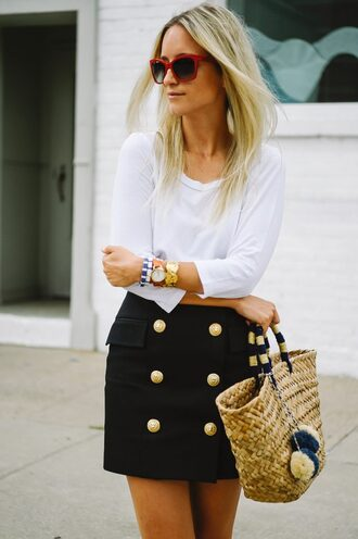 the fashion guitar blogger top skirt sunglasses bag jewels mini skirt black skirt basket bag straw bag bag accessoires red sunglasses white top long sleeves bracelets