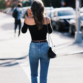 top tumblr off the shoulder black top off the shoulder top bag black bag denim jeans blue jeans streetstyle