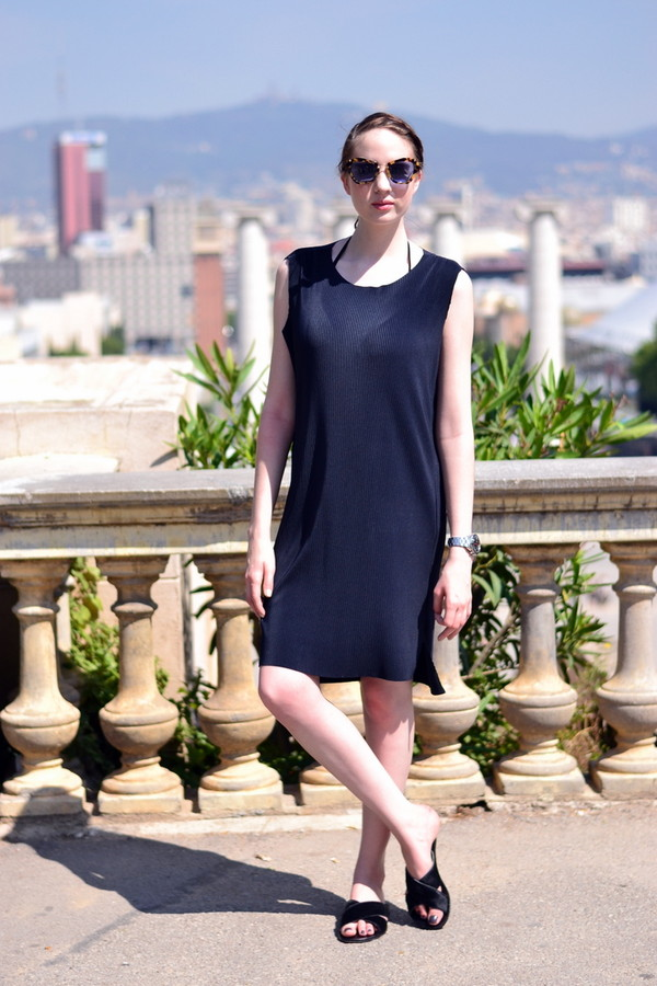 shot from the street shoes dress sunglasses