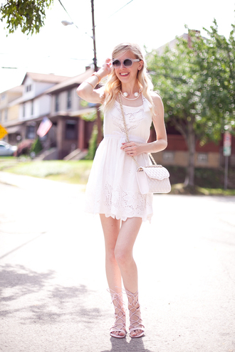 cocorosa blogger sunglasses pearl white dress summer outfits strappy sandals flat sandals quilted bag