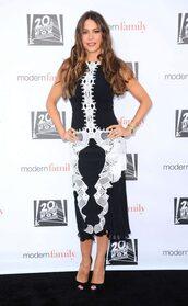 dress,midi dress,sandals,sofia vergara,black and white,black and white dress