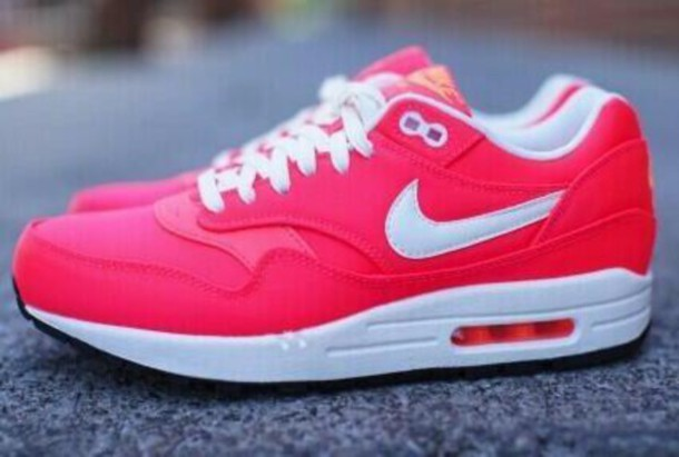 shoes, nike air max 1, rose, blanc - Wheretoget