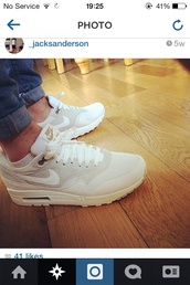 shoes,nike airs gold white