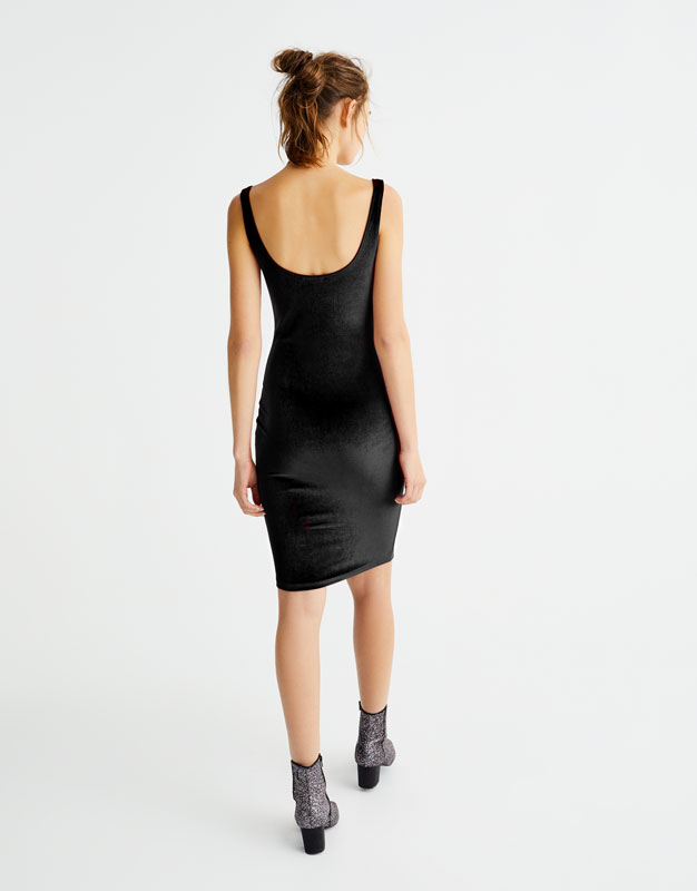 Fitted velvet dress - Sale favourites - Clothing - Woman - PULL&BEAR United Kingdom