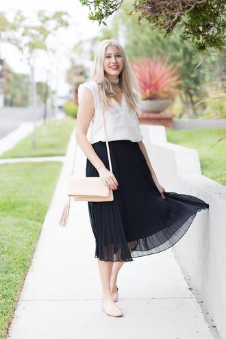 modern ensemble blogger top skirt bag scarf