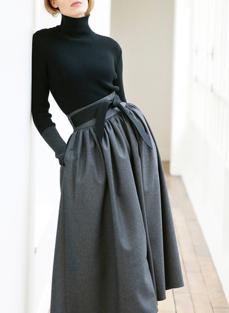 skirt black turtleneck grey bow
