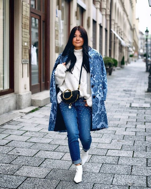 sweater white sweater coat blue coat boots white boots knitwear knitted sweater jeans blue jeans denim embellished