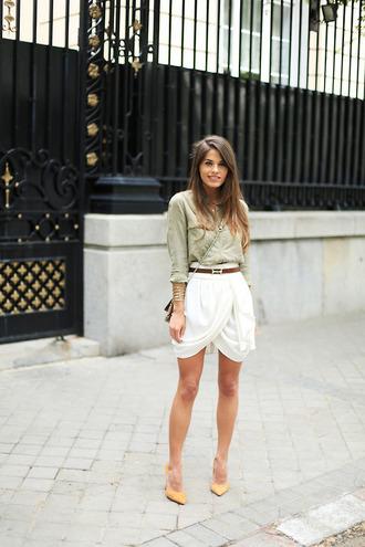 skirt shirt belt white skirt pumps streetstyle blouse shoes