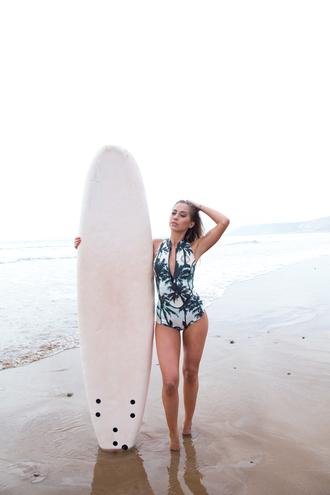 kenza blogger swimwear palm tree print one piece swimsuit