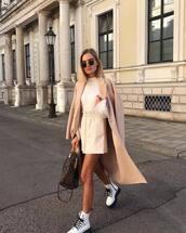 skirt,mini skirt,high waisted skirt,white boots,handbag,blouse,coat,wool coat,sunglasses