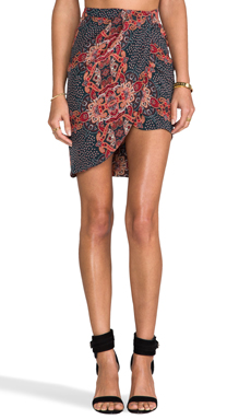 Friend of Mine Fang Draped Skirt en Antique Paisley | REVOLVE