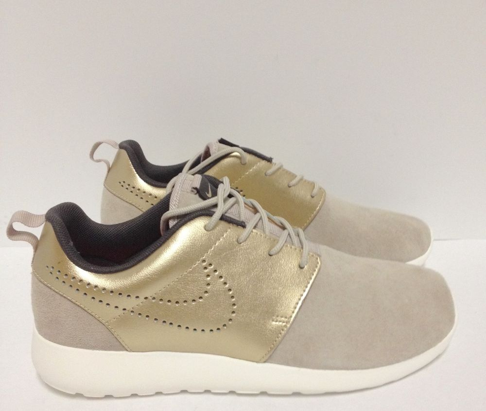 24785beff2a NEW! Women s NIKE ROSHE ONE PRM SUEDE 820228 200 - Size ...