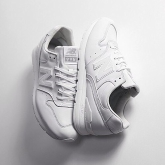 shoes white black newbalance shoes girls mens womens new balance white sneaks mens low top sneakers