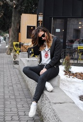 let's talk about fashion !,blogger,jacket,sweater,pants,shoes,sunglasses,graphic sweatshirt,sweatshirt,grey sweatpants,sweatpants,black sunglasses,bomber jacket,black bomber jacket,sneakers,white sneakers