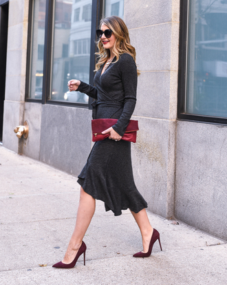 visions of vogue blogger dress shoes bag jewels red bag clutch grey dress winter dress midi dress pumps
