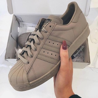 adidas adidas shoes adidas superstars beige taupe superstar adidas supercolor nude shoes adidas originals addias shoes addidas superstars brown khaki superstars brown khaki adidas trainers beige adidas matte addidas shoes white hightops