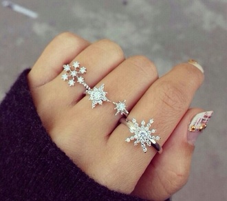 jewels rings snow snowflakes beautiful christmas classy class ring jewel dimond sparkle jewellary