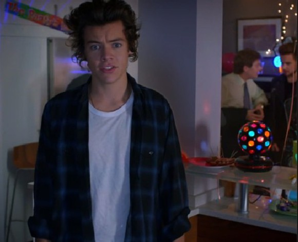 jacket blue jacket blue shirt flannel shirt flannel shirt plaid jacket blue plaid black plaid black blue blue tshirt black shirt black jacket harry styles harry styles shirt harry styles tshirt one direction lou teasdale