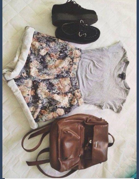 shorts high waisted short floral shoes t-shirt vintage grey old peach back pack leather creepers