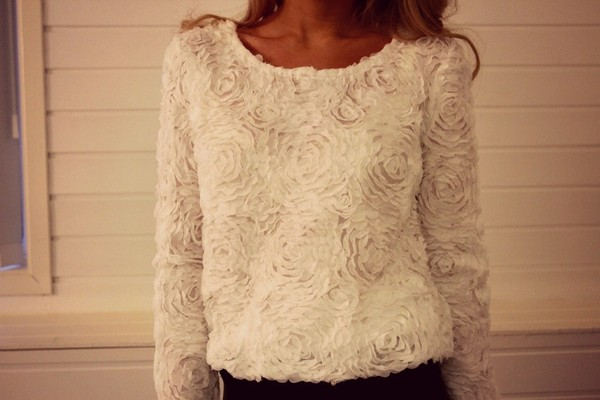 blouse white roses