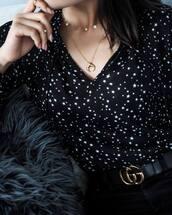 shirt,tumblr,stars,necklace,gold necklace,gold jewelry,jewels,jewelry,crescent pendant,pendant,gucci,gucci belt,logo belt,printed shirt,gold