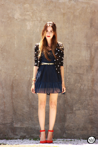 fashion coolture blogger dress navy red heels polka dots flowy cardigan holiday dress jacket bag shoes