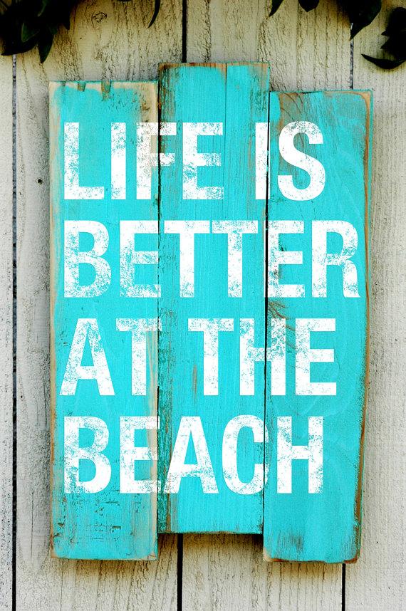 Maison de plage d coration signe avec dicton issu de - Decoration avec des palettes ...