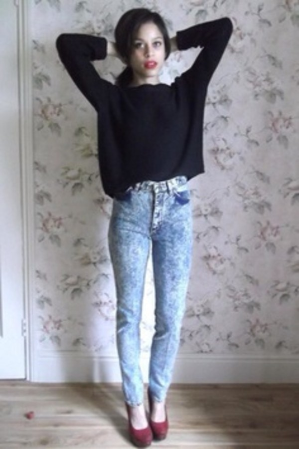 jeans acid wash jeans crop tops cute sweater shoes