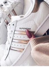 shoes,white shoes,amazing,adidas,adidas superstars,gold,cute,girly,teenagers,pretty,white,swag,adidas shoes,superstar,adidas superstar gold,rose gold,adidassuperstars,mettalic,lovely,metallic,dress,fashionnova,multicolor,bodycon dress,low top sneakers,white sneakers