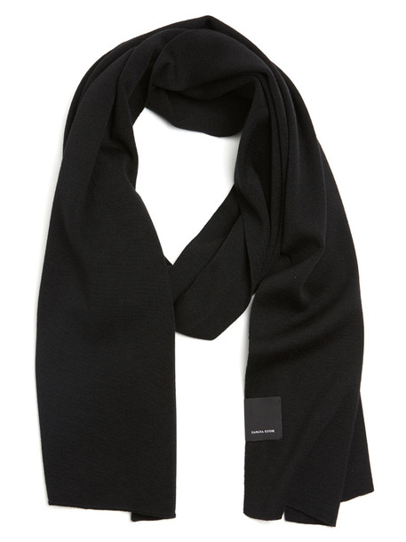 Canada Goose 'ladies Classic' Scarf in black