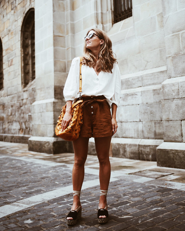 shorts top shirt white shirt bag brown shorts sunglasses bag hoes shoes