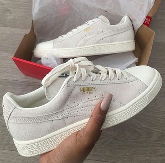 shoes puma suede grey white beige puma suède grey sneakers puma sneakers low top sneakers suede sneakers puma suede cute instagram twitter need this!!! i need this. pumas musthave gold tan puma suede classic white sneakers