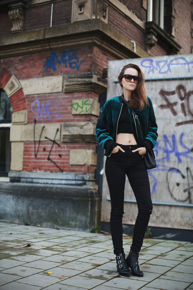 style scrapbook blogger bag sunglasses jacket top jeans velvet black boots forest green