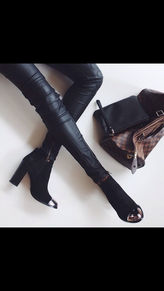 shoes pants black leather pants black boots want nedd leather leggings