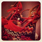 red shoes,high heels,aztec,shoes