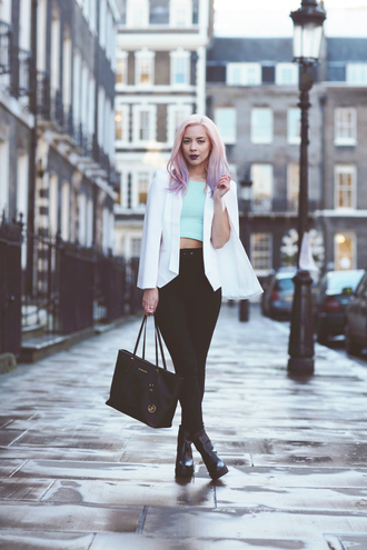 leanne lim walker blogger blazer pastel hair crop tops high waisted jeans jacket top pants shoes bag make-up jewels pink hair