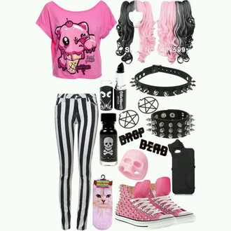 t-shirt pastel goth drippy wig pink shoes ring socks jeans black spikes