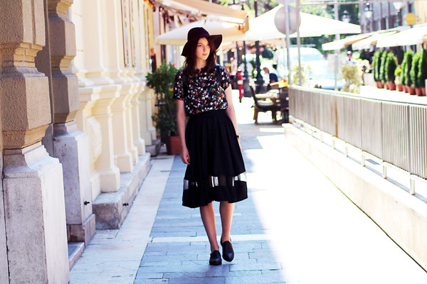 mes memos blogger top skirt shoes jewels