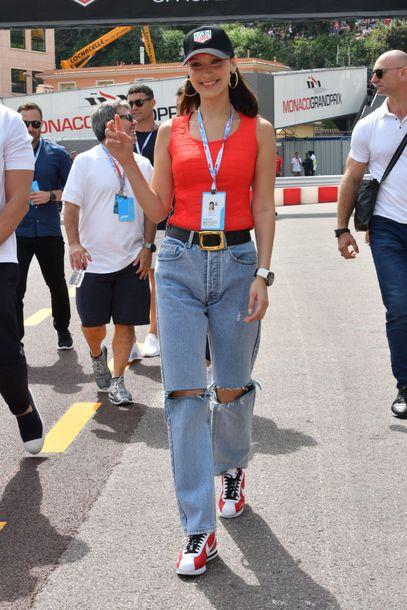 jeans ripped jeans bella hadid model off-duty top tank top cap
