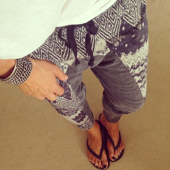 pants printed pants grey sweatpants sweatpants zig zag print drawstring