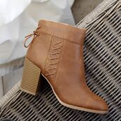 shoes,boots,booties,boho,western,coachella,music festival,spring,summer,qupid,boots with laces,criss cross