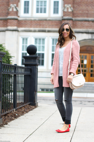 lilly's style blogger jeans bag jewels pink jacket grey top white top grey jeans ripped jeans aviator sunglasses
