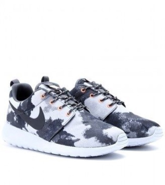 best authentic 692f9 52194 shoes black and grey camouflage nike roshe run