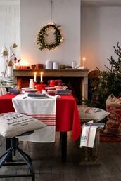 home accessory,christmas,home decor,holiday home decor,table,chair,pillow,decoration,christmas home decor