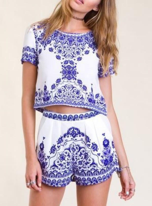 5c1fe282ba3e01 Blue White Short Sleeve Floral Crop Top With Shorts -SheIn(Sheinside)