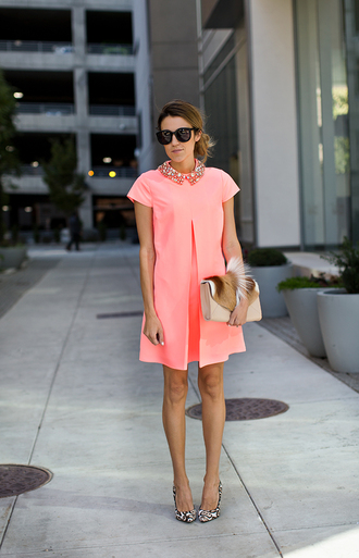 hello fashion blogger belt jewels sunglasses clutch fur pink dress victoria beckham dress
