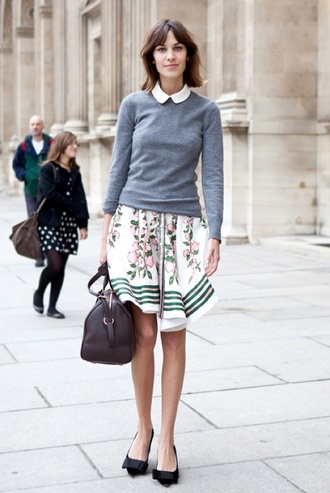 sweater sweater over dress tumblr grey sweater mini dress floral floral dress bag black bag pumps mid heel pumps black shoes shoes alexa chung streetstyle