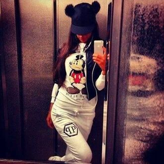 blouse hat t-shirt shirt sweater mickey mouse white sweater disney disney sweater white style instagram fashion